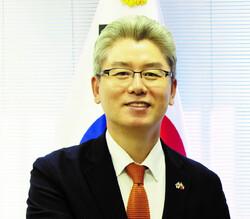 Ryu Jeong-Hyun Ambassador of the Republic of Korea to the Islamic Republic of Iran