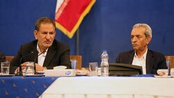 First Vice President Es'haq Jahangiri (L) and ICCIMA Head Gholam-Hossein Shafeie