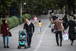 Fertility rate in Iran drops by 70% in 30 years: AEI