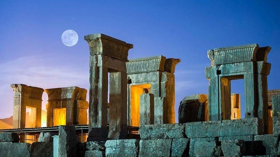 Study Sheds New Light On Vestiges Of Burnt Fabrics Found In Persepolis Tehran Times