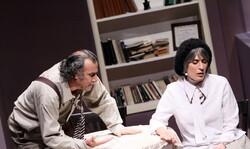 "Siamak Safari and Behnaz Jafari act in a scene from ""Who's Mr. Schmitt?"" directed by Davud Rashidi at the Samandarian Hall of the Iranian Theater Forum in 2011. (Cinemapress/Maryam Qasemi)"
