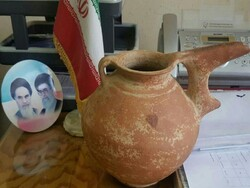 Millennia-old jug recovered in Tehran
