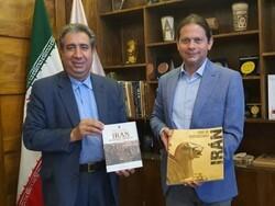 Nicaraguan envoy visits National Museum of Iran, urges deepening cultural ties