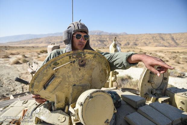 Army holds military exercise in Fars province