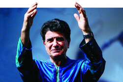 Vocalist Mohammadreza Shajarian in an undated photo. (ISNA/Alireza Sotakbar)