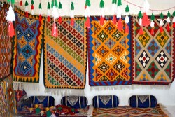 handicrafts market