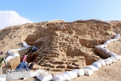 Remnants of Achaemenid fortress unearthed in northeast Iran