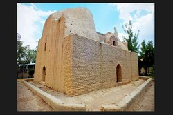 Manuchehri's mausoleum
