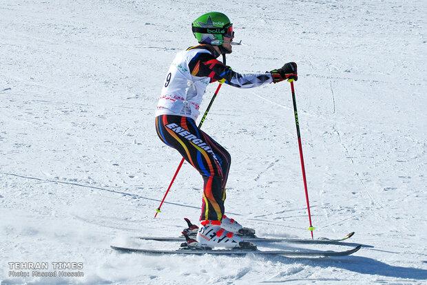 Para skiers compete in Dizin