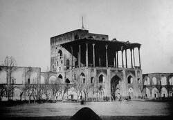 Photo captured by German telegraphist Ernst Hoeltzer (1835 – 1911) depicts a view of Ali Qapu Palace in Isfahan.