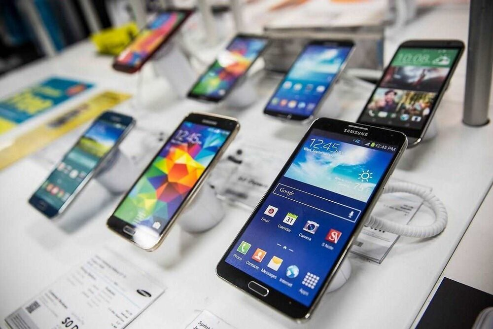 More than 15.5m cellphones imported into Iran in a year - Tehran Times
