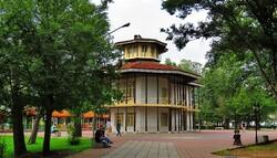 Travel destinations: Kolah-Farangi mansion