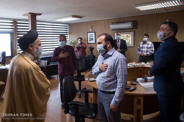 Tehran Times hosts former managers