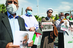 Tehranis celebrate Palestinians' victory over Israel