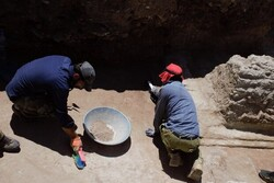 Ancient tombs, relics, architectural vestiges discovered in southern Iran