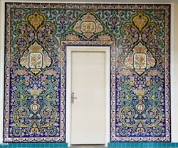 Artists make replicas of tiles covering UNESCO-designated palace