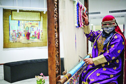 TEHRAN – A center to showcase and promote Iranian handicrafts and works of traditional arts was opened by the Tehran Municipality on Saturday evening.