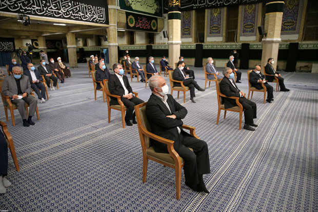 Leader meets cabinet, advises them to not lose time