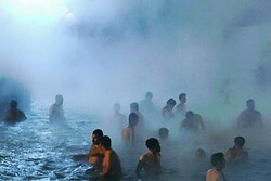 Sarein: time to relax in hot springs!