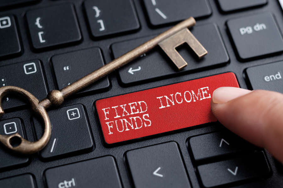 Fixed income funds overtake banks in attracting people's investment