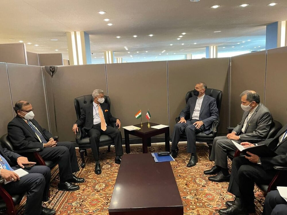 Iran FM meets foreign counterparts in New York