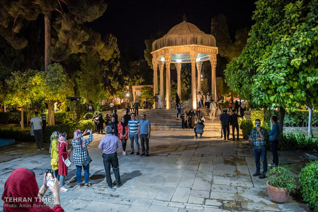 Wreaths of flowers placed at Hafezieh to celebrate National Hafez Day